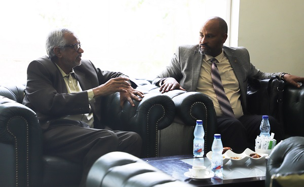 the-iua-vice-chancellor-receives-the-ethiopian-minister-of-education-at-khartoum-international-airport